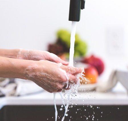 wash versus clean in English