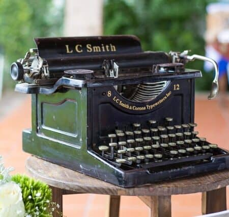 IELTS Energy 1062 - How the Wrong Grammar Raises Your IELTS Score Old Typwriter